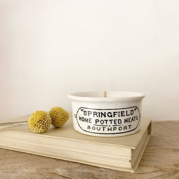 Springfield Pot Candle in Green Tomato Leaf