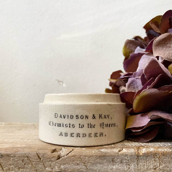 Davidson & Kay Vintage Dispensing Pot Candle in