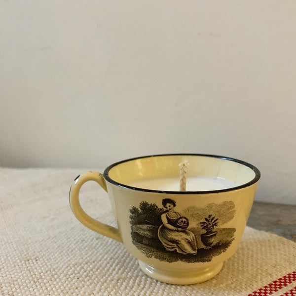 Victorian Teacup Candle in Lavender & Seasalt