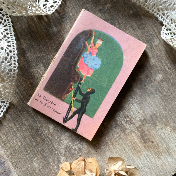 Mini French Story Book - The Shepherdess & The Chimney Sweep