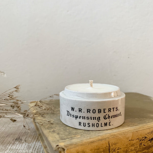 Roberts Chemist Pot Candle in Lavender & Sea Salt