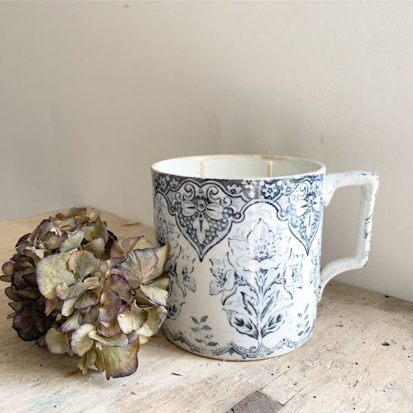 Large Floral Victorian Mug Candle in Wild Fig