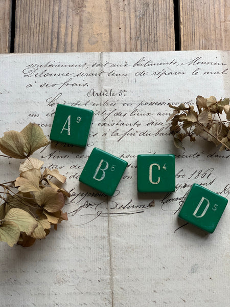 Vintage Green Gaming Letters