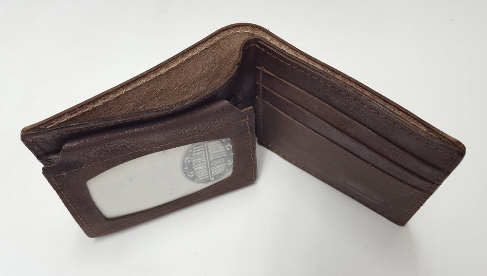 Bifold wallet interior