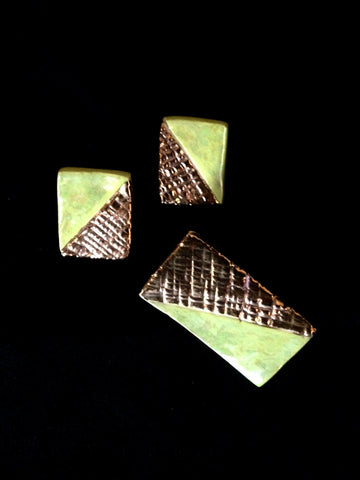 Set Earring & Pin Chartreuse & 22kt Yellow Gold