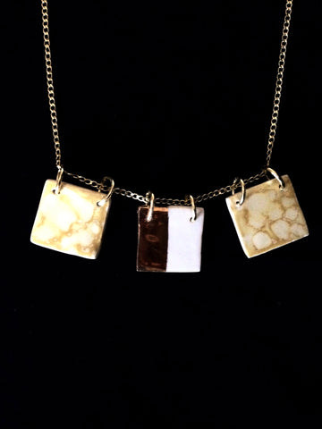 Necklace 3 Squares Amber Marble Effect & 22kt Yellow Gold