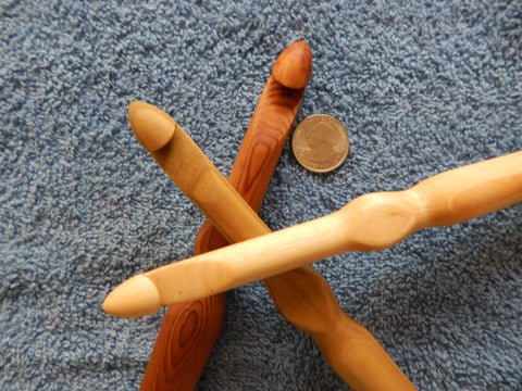 12 mm, 14 mm & 16 mm Ergonomic Rag Rug Crochet  Hook Bundle (Maple, Poplar and Cedar)