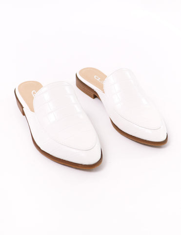 white chinese laundry freshest sugar & spice mule - elle bleu shoes