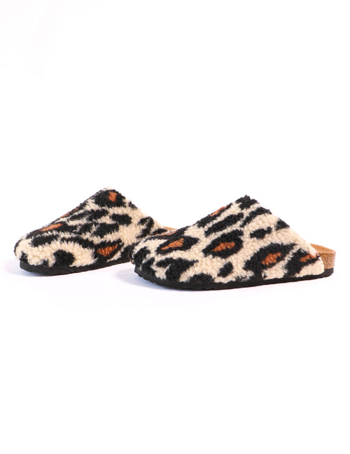leopard shearling i'm teddy to go clog on white background