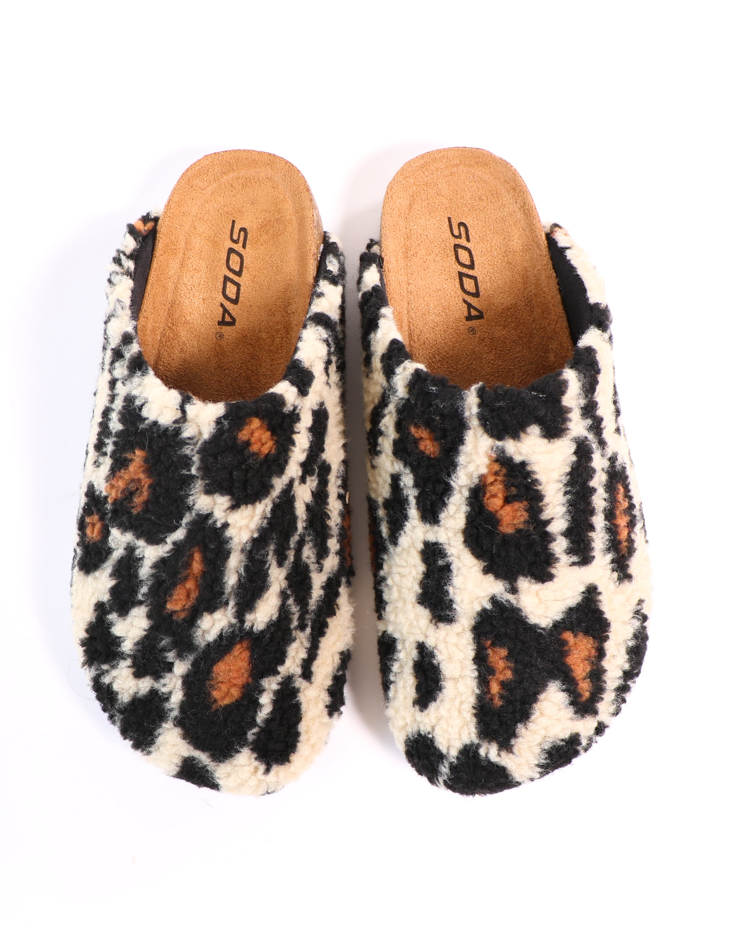 Top view of the leopard i'm teddy to go clog - elle bleu shoes