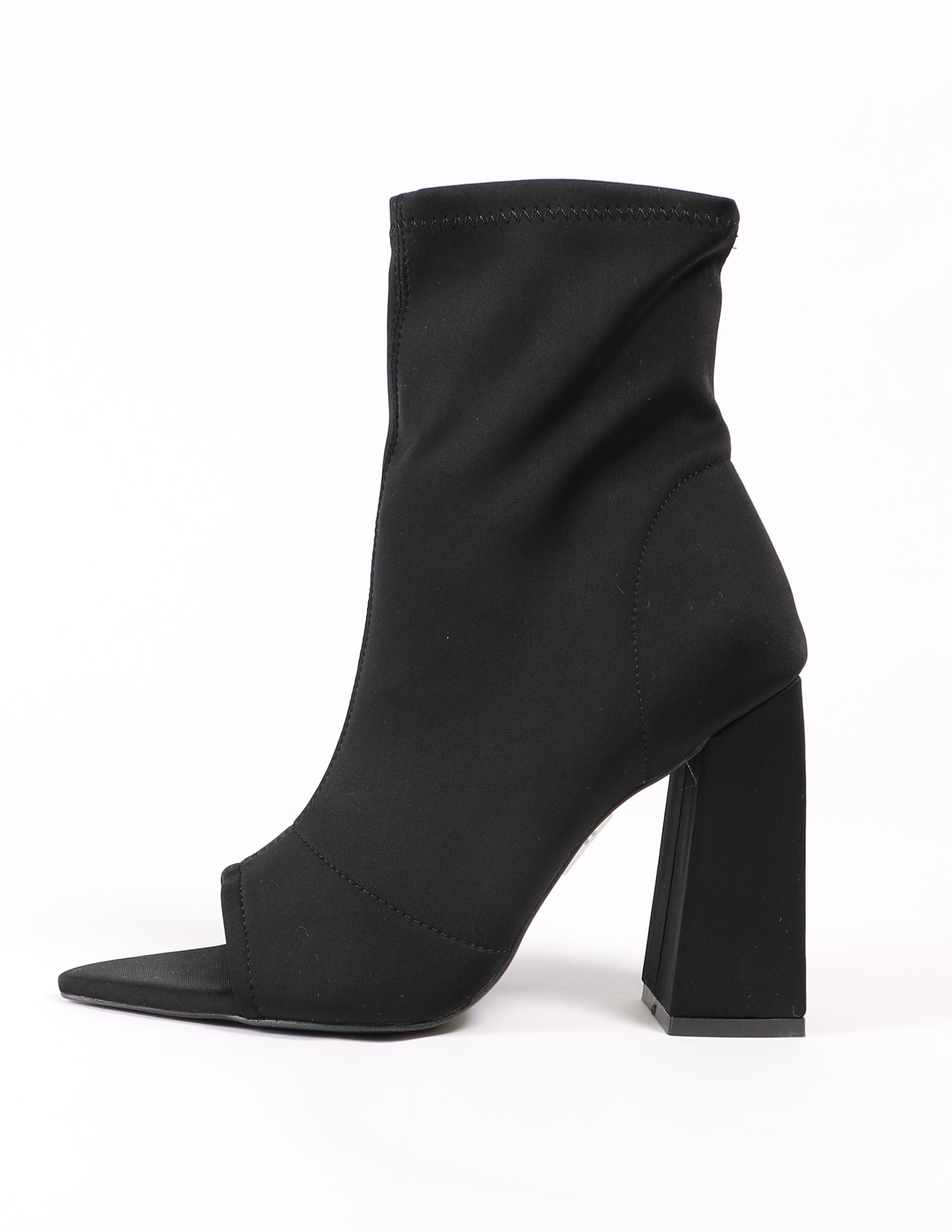 Side of the black sit tight bootie heel - elle bleu shoes