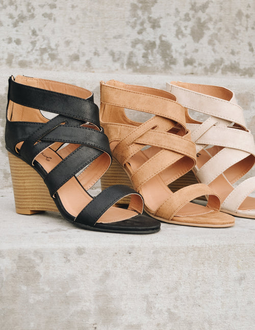 3 different colors of the princess cut wedge lined up - black, tan, stone