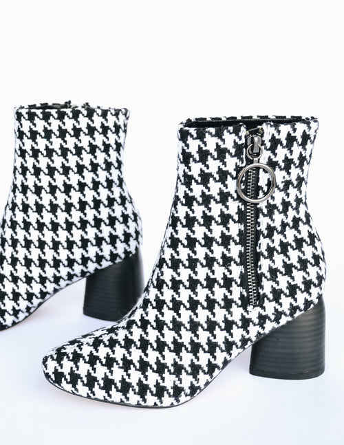 Side view of the sbicca houndstooth boot
