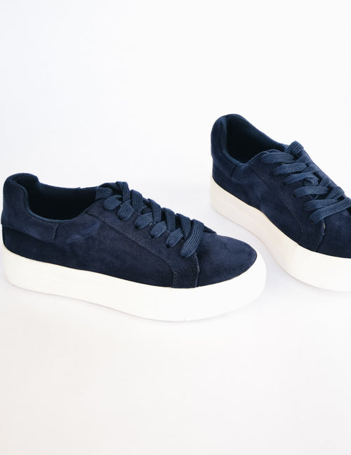 Navy sneaker with thick flat laces and white rubber sole - elle bleu shoes