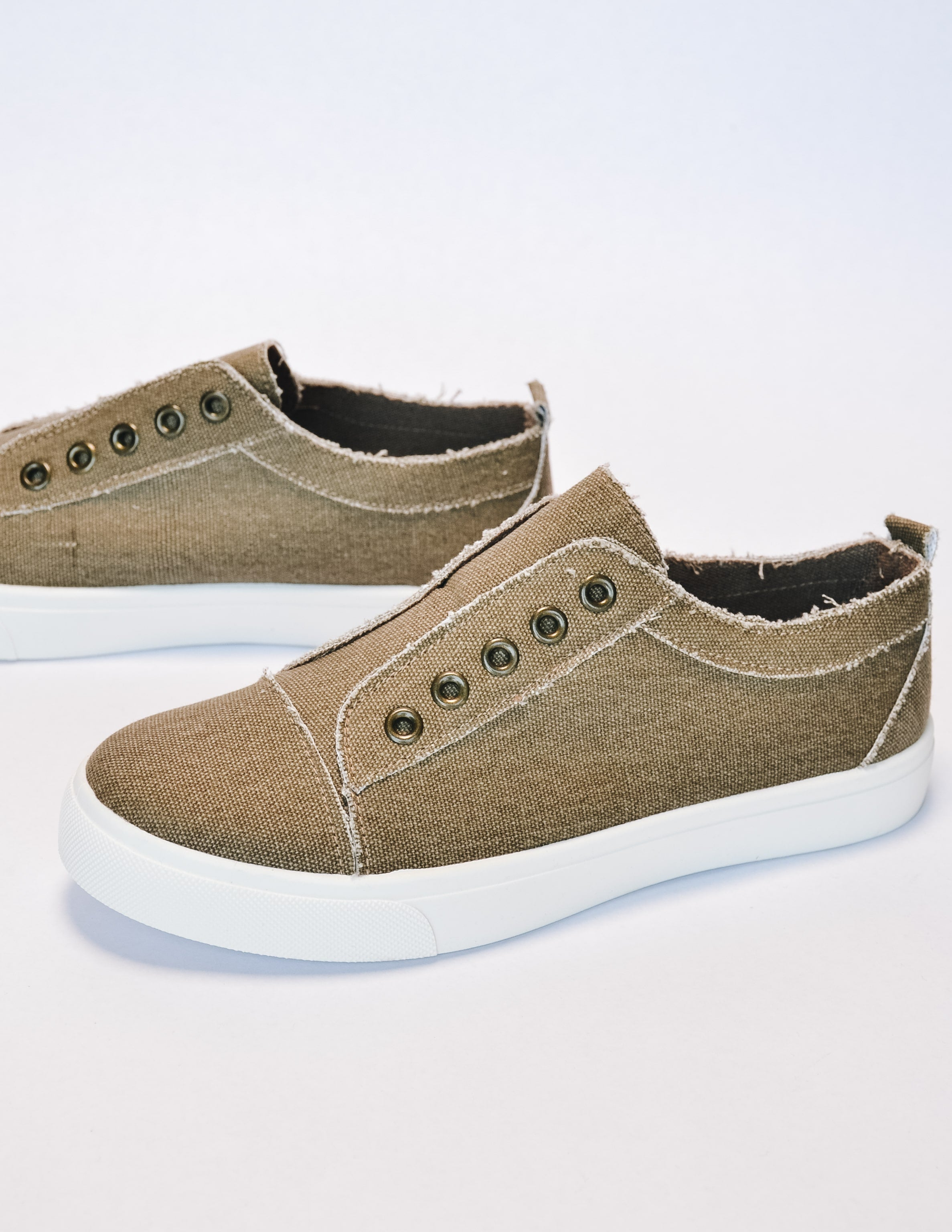 Get your sneak on sneaker in taupe with rivets and white sole