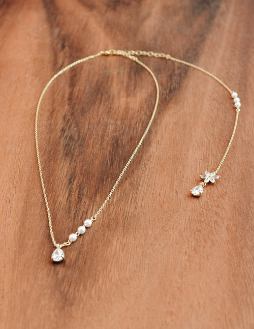 Gold Caprie necklace with pearls, crystal pendant and crystal tail