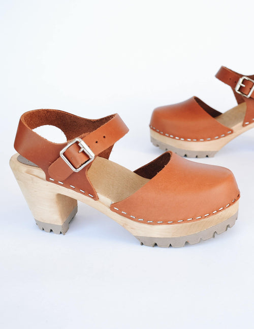 Luggage tan leather clog with genuine solid wood sole and rubber tread