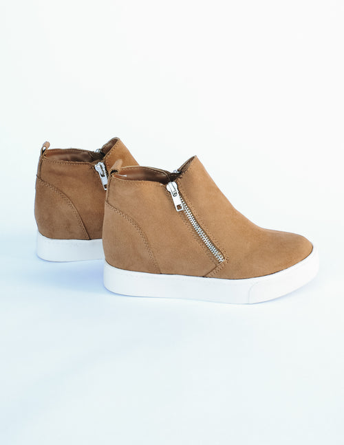 Tan Taylor sneaker with white rubber sole and side zippers