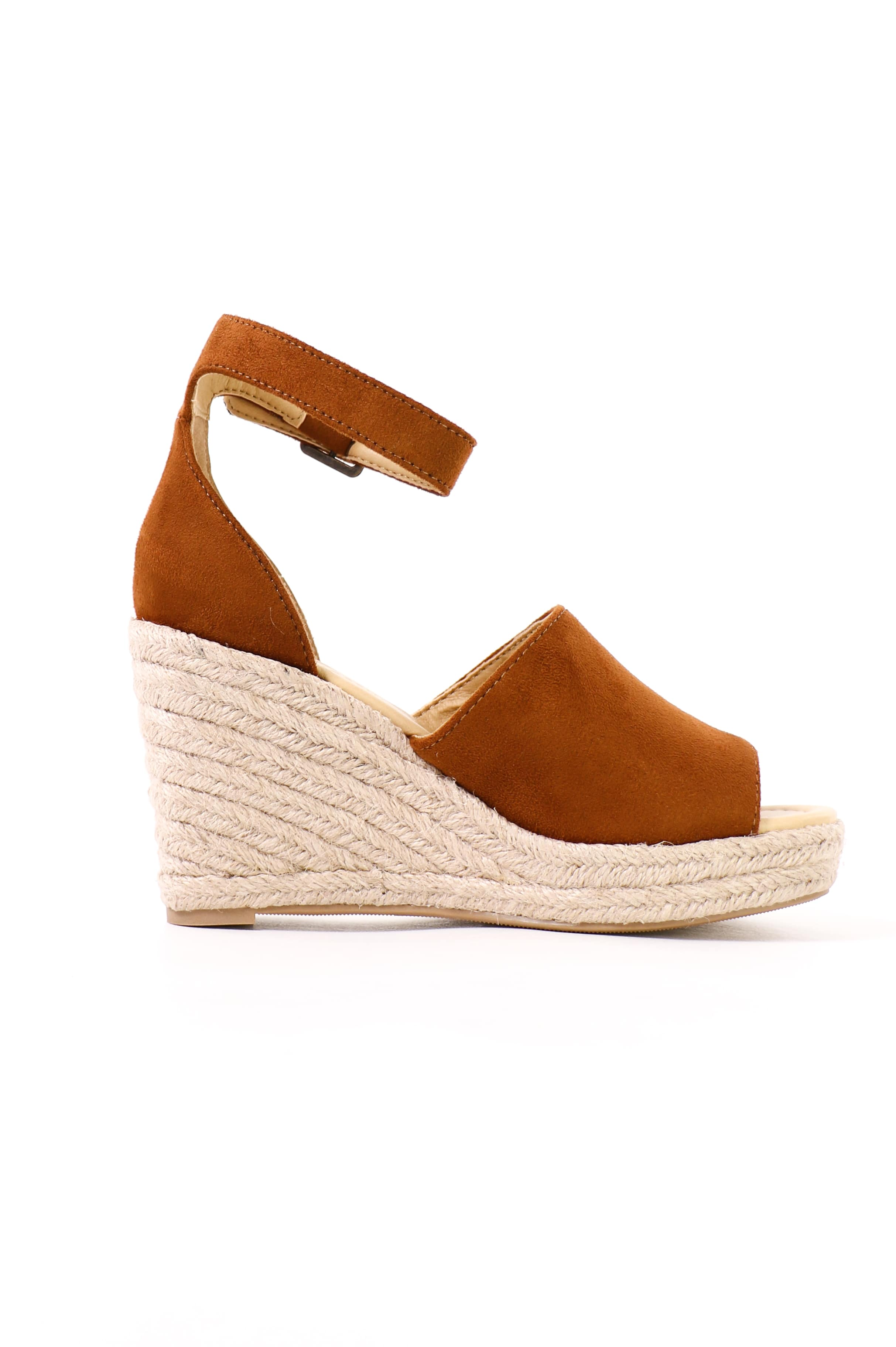 side of the esparto rope wrapped sole on the this is not a espadrille sandal wedge - elle bleu shoes