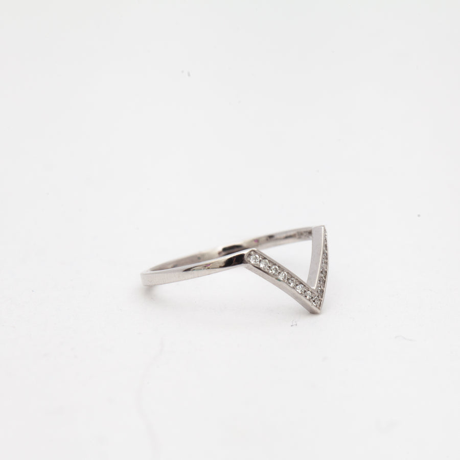 White Gold White Diamond Chevron Bea Band