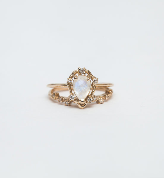 Peon Moonstone and Diamond Ring