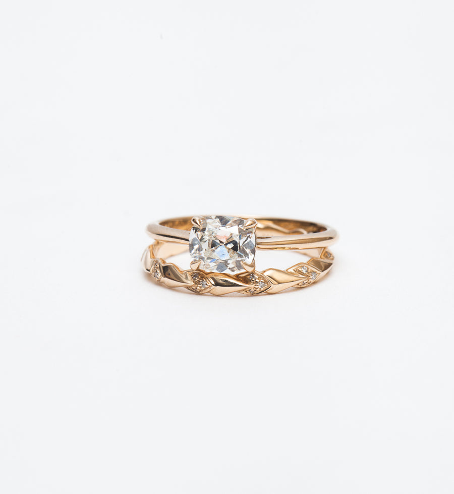 Old Mine Bea Solitaire Ring