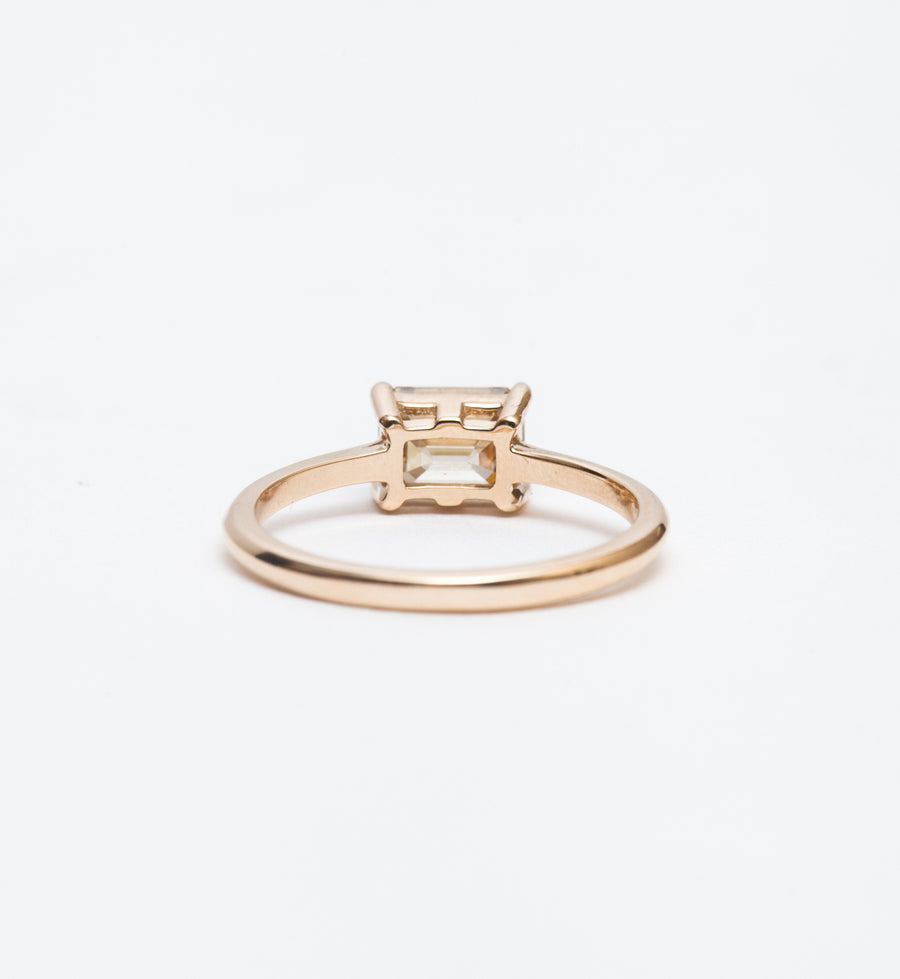 Champagne Diamond East-West Bea Solitaire Ring