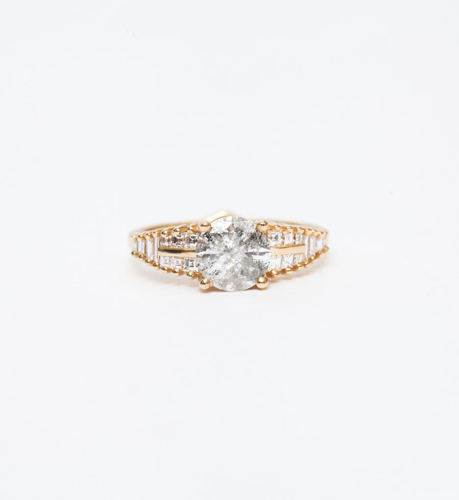Snowy Diamond Ring