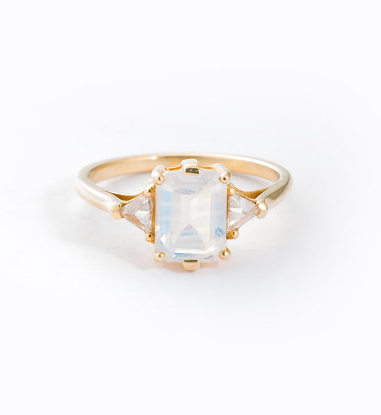 Moonstone Bea Ring: Front