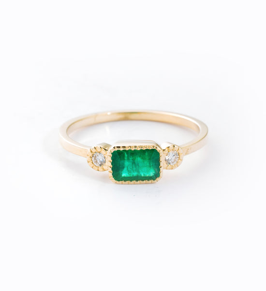 Emerald Lexie Ring: Front