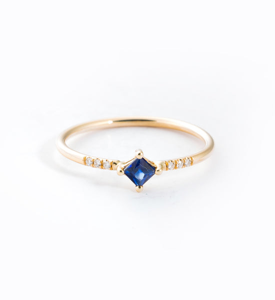 Sapphire Point Equilibrium Ring: Front