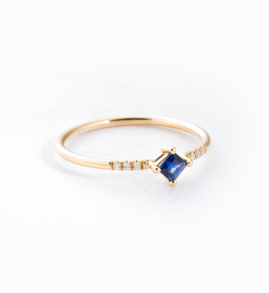 Sapphire Point Equilibrium Ring: Angle