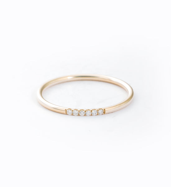 Semi Pavé Ring: Front
