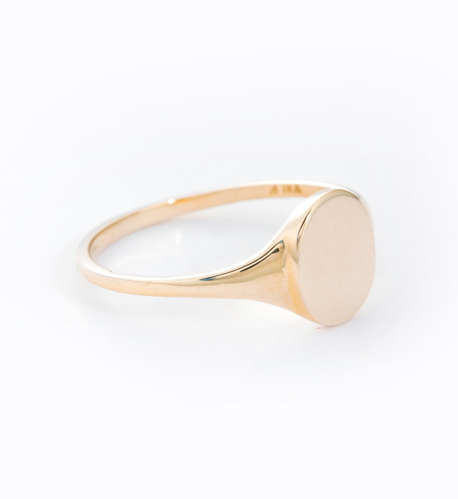 Skinny Signet Ring: Angle
