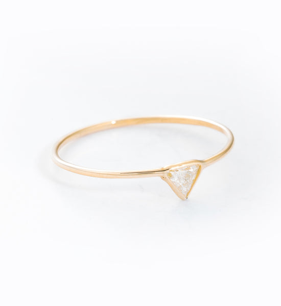 Trilliant Cut Diamond Ring: Angle