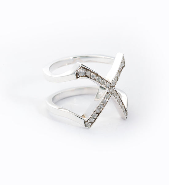 Moonlight Pavé Visible Ring: Angle