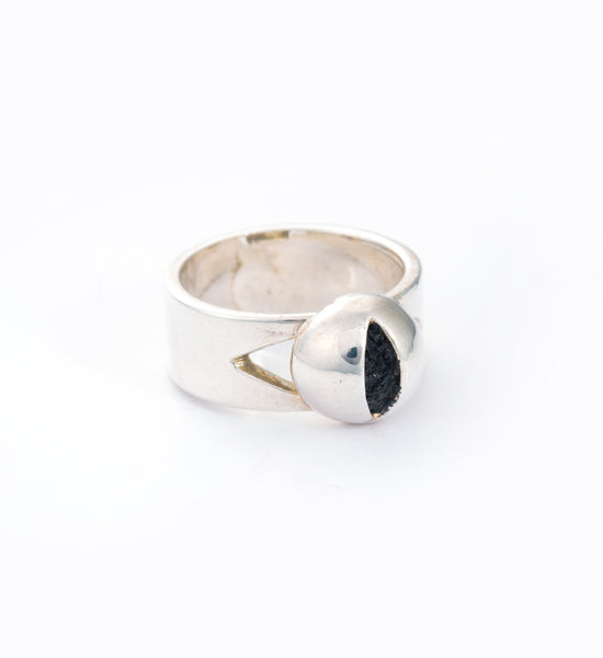 Silver Cat Eye Ring: Angle