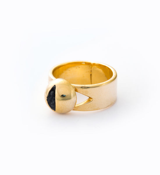 Gold Cat Eye Ring: Angle