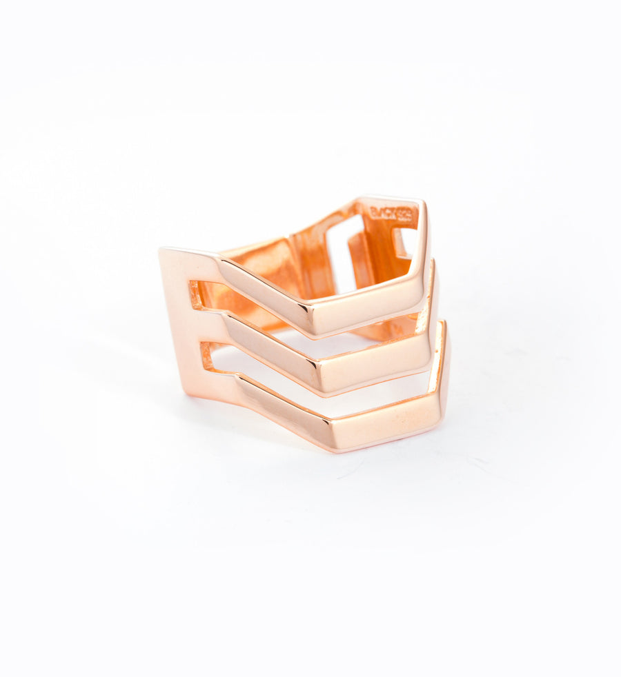 Rose Gold Trinity Ring: Angle
