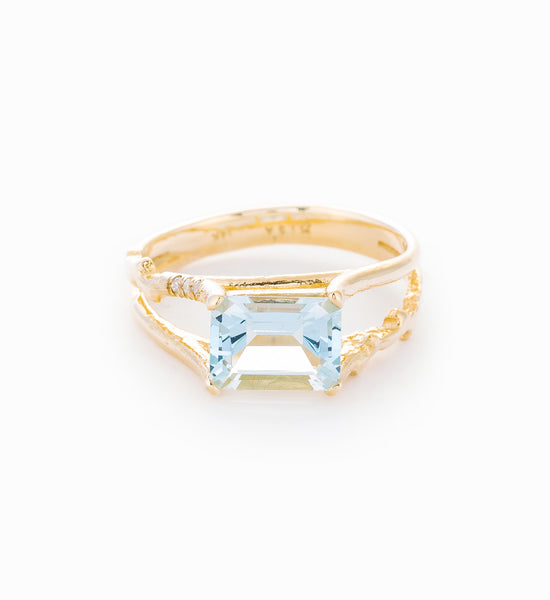 Aquamarine Floating Ring: Front