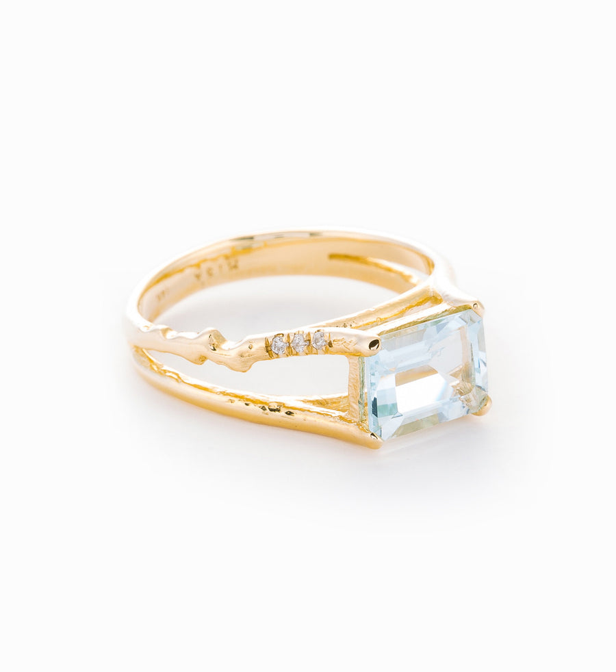 Aquamarine Floating Ring: Angle