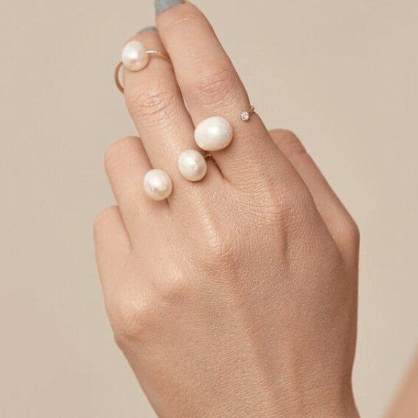 "ERTH ""GHOST"" LUNA PEARL & DIAMOND RING"
