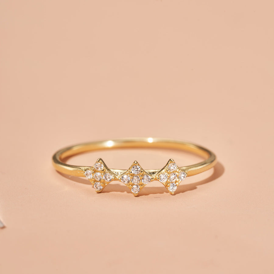 SHIMMERING STAR RING
