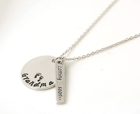 "New Fashion Alloy Jewelry ""Grandma coming soon"" Letter Pendant Necklace Women Necklaces&Pendants Love Gifts"