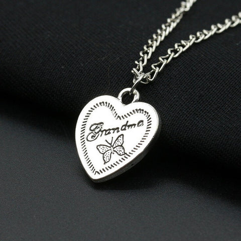 New Fashion Vintage Silver Plated Necklaces & Pendants Love Grandma Letters Butterfly Necklace Women Jewelry Collier Kolye M439