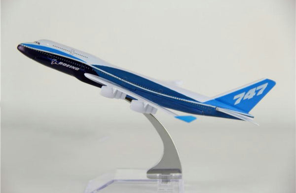 Boeing 747 (Original Livery) Airplane Model (16CM)