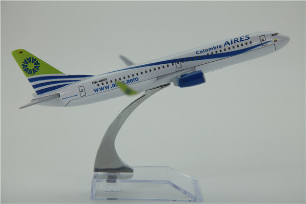 Colombia Aieres Boeing 737 Airplane Model (16CM)