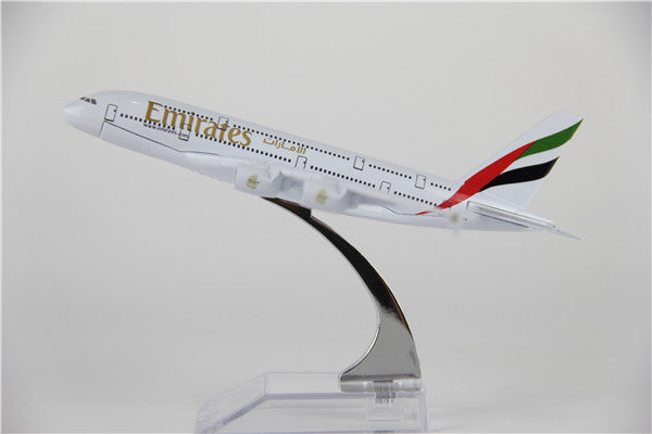 Emirates Airbus A380 Airplane Model (16CM)