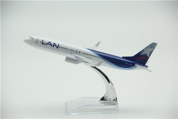 LAN Boeing 737 Airplane Model (16CM)