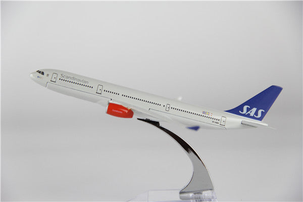 Scandinavian (SAS) Airbus A330 Airplane Model (16CM)